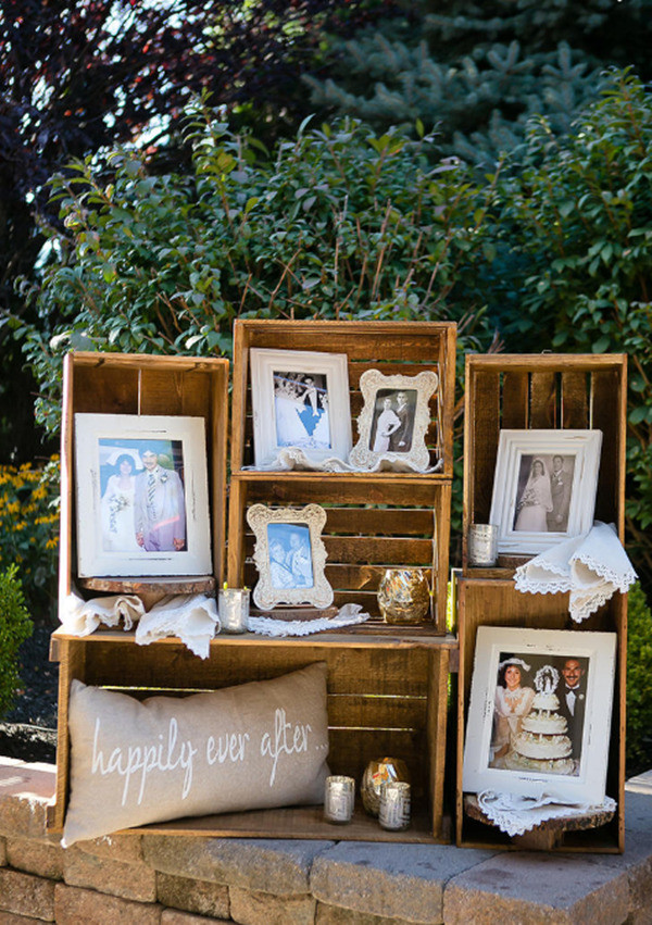 vintage photo display ideas with frames for outdoor weddings
