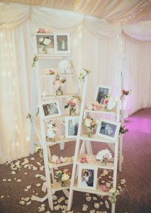 vintage wedding decoration ideas with ladder photo display