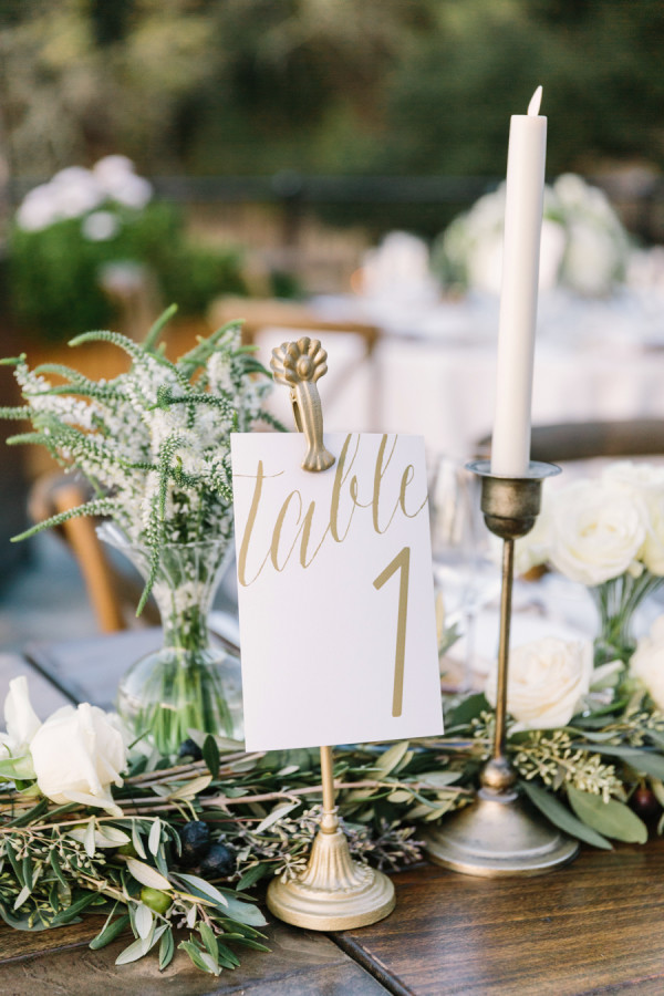 elegant greenery wedding centerpiece ideas
