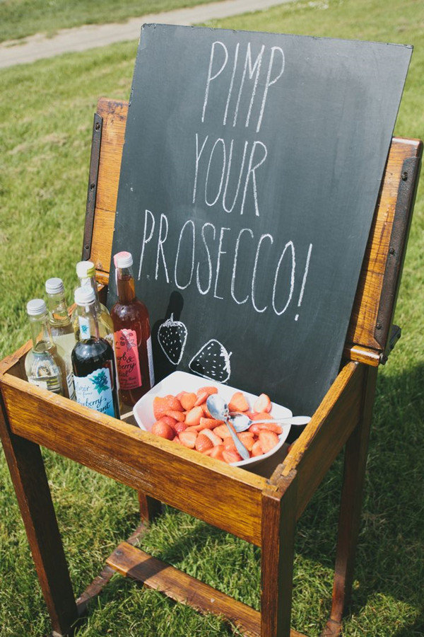 unique wedding food and drink ideas for guests