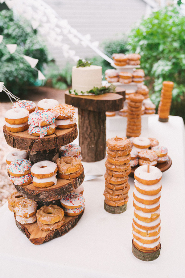 country rustic woodland wedding cakes