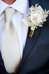 amazing groom suit wedding ideas with matallic tie