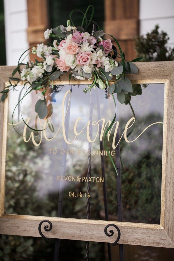 chic vintage mirror wedding sign ideas