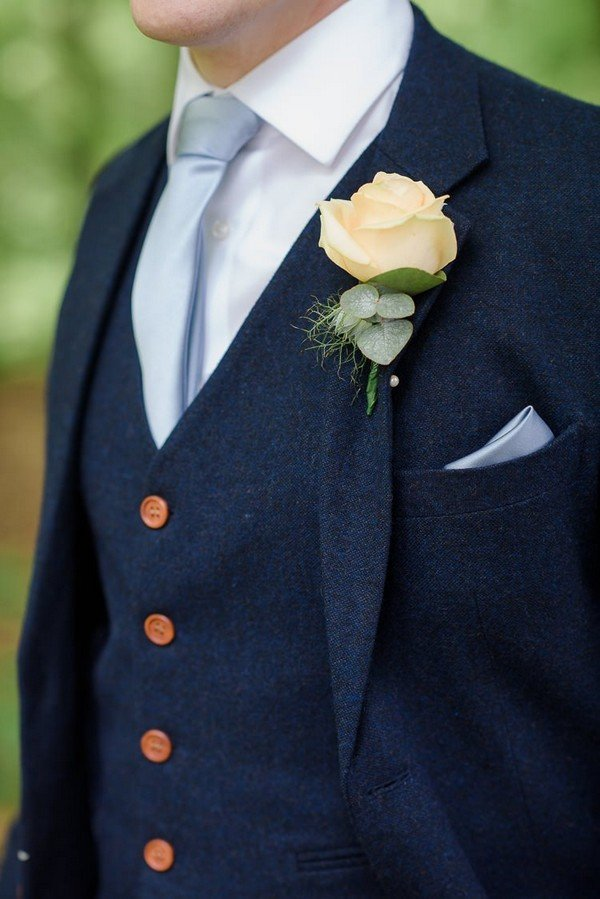 groom look ideas for fall weddings