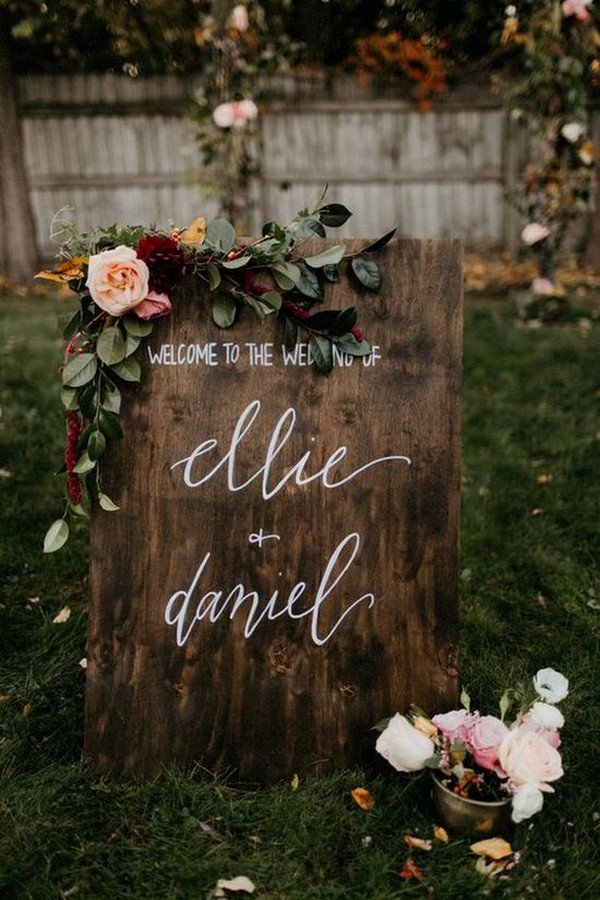 vintage rustic wooden wedding sign ideas with floral