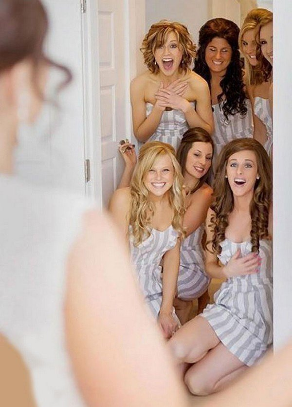 first look bridal party wedding photo ideas