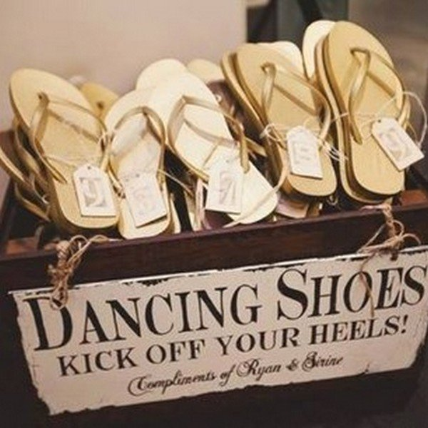 flip flops dancing shoes as wedding favors