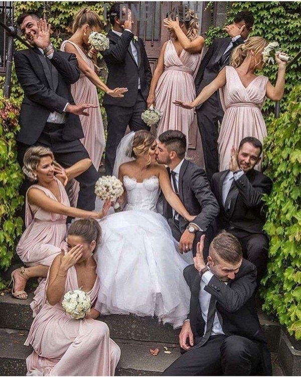 funny wedding ideas 14 must wedding photo ideas with your bridesmaids 27722
