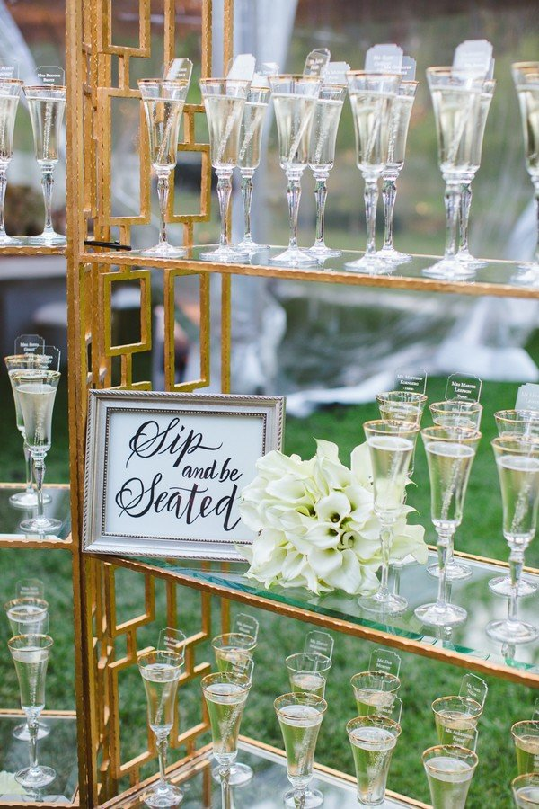 genius wedding escort ideas with drink display