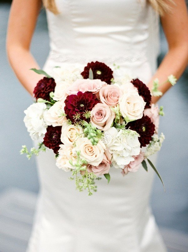 burgundy wedding bouquet ideas