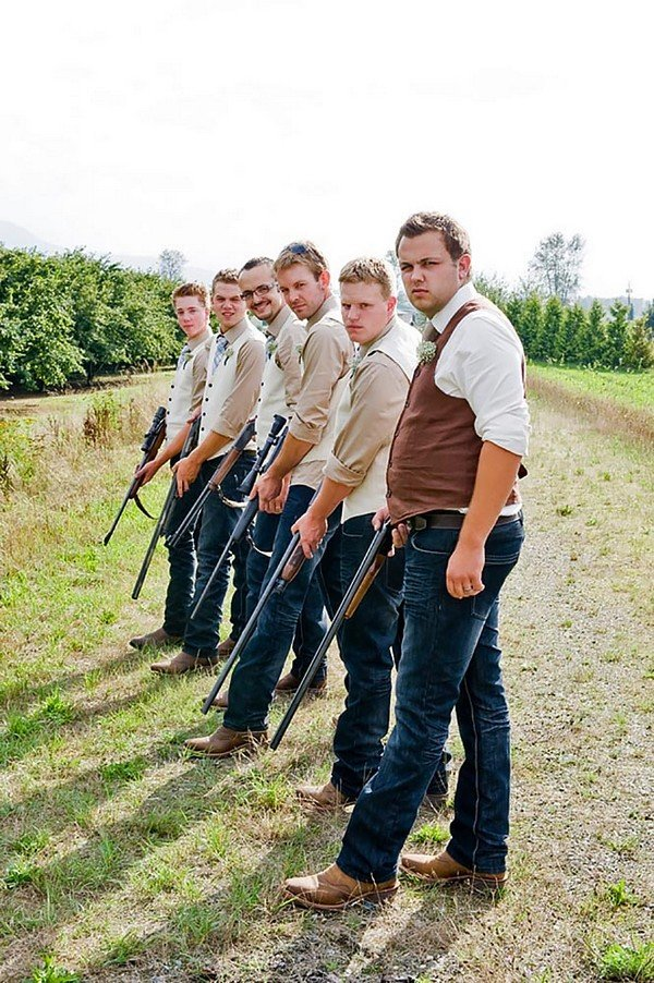country themed groomsmen wedding photo ideas