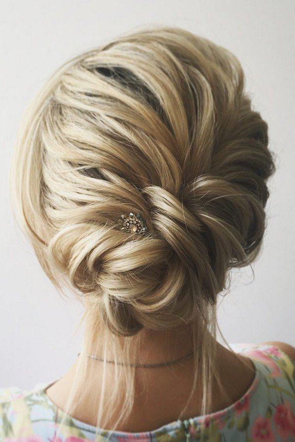 12 Trending Updo Wedding Hairstyles From Instagram Page