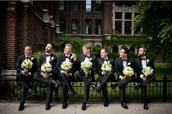 funny groomsmen wedding photo ideas