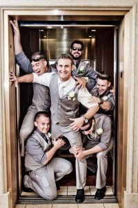 funny wedding photos with groomsmen