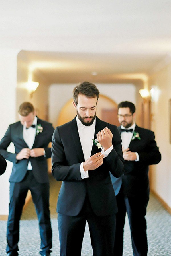 groomsmen wedding photo ideas