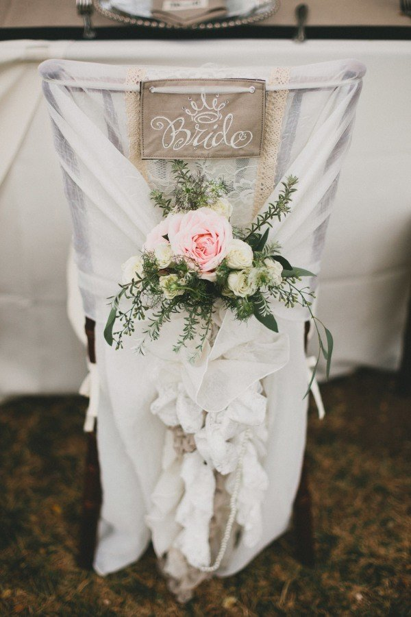 pretty bride and groom wedding chair decor ideas