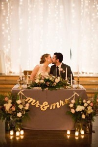 romantic wedding sweetheart table decoration ideas with candles