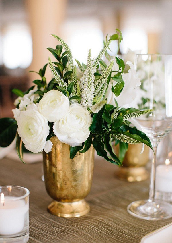 white greenery and gold wedding centerpiece ideas