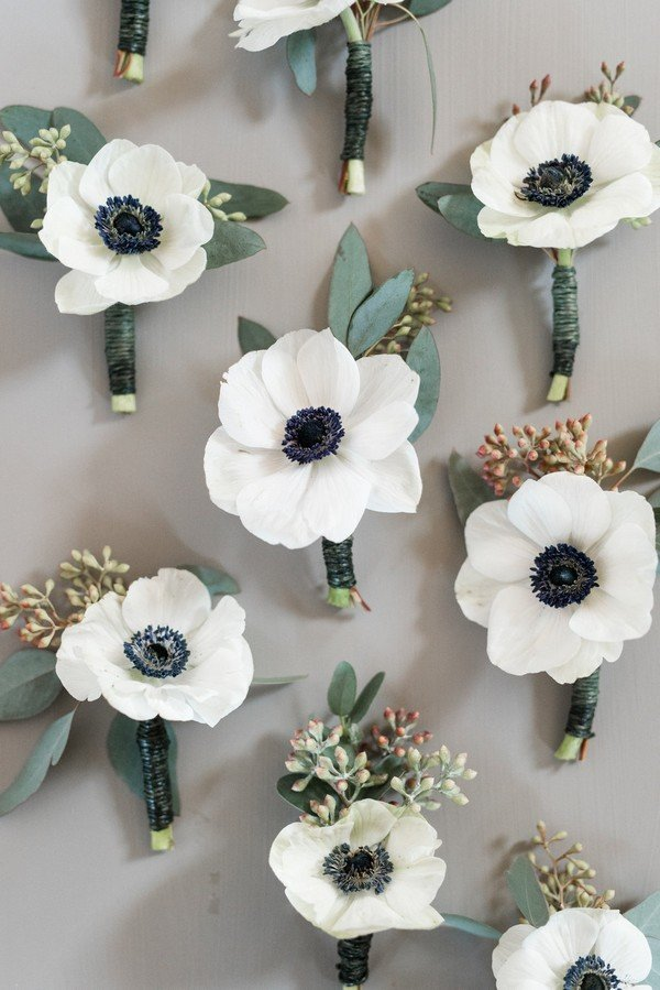 Groomsmen boutonniere for winter wedding ideas