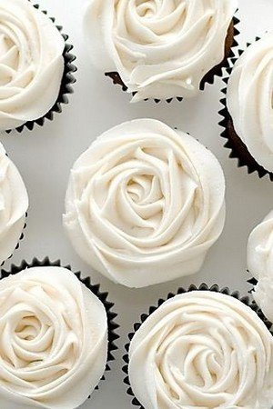 rose buttercream wedding cupcakes