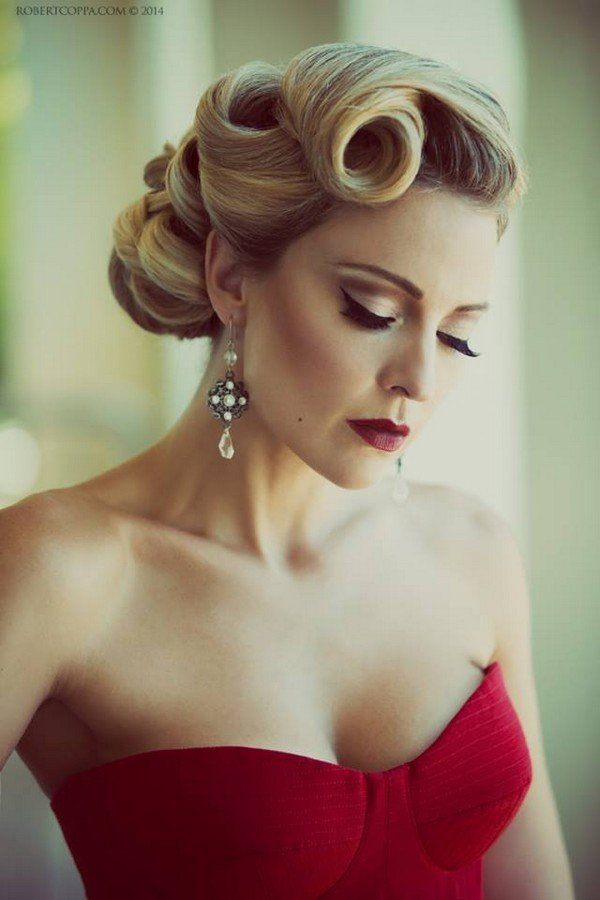 stunning curls vintage wedding hairstyle