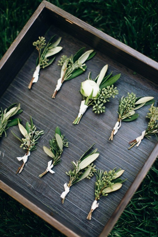 trending greenery chic wedding boutonniere ideas