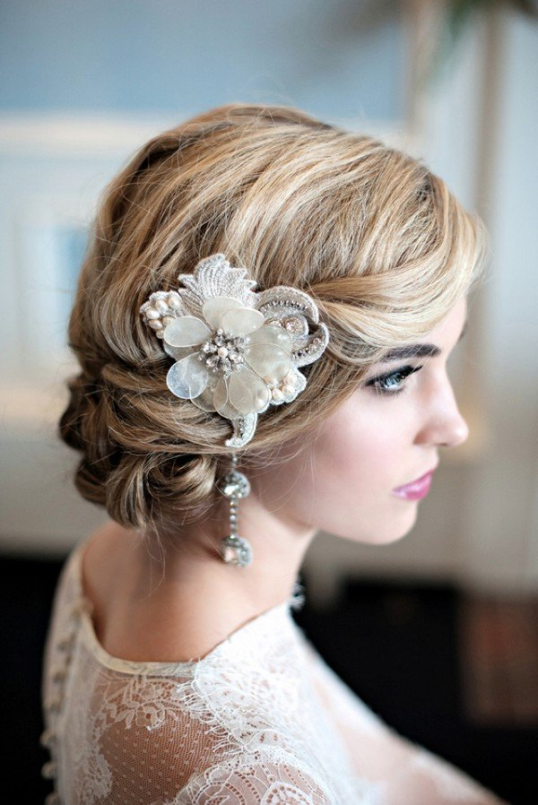 vintage bridal hairstyle with headpiece