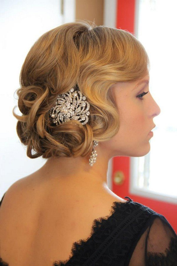 vintage waves wedding hairstyle with headpiece