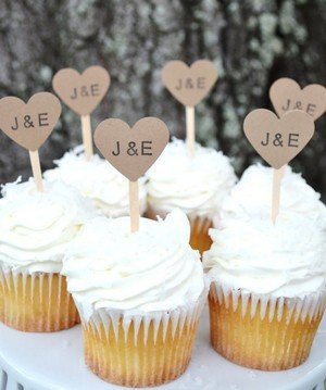 wedding cupcakes with kraft heart for rustic weddings