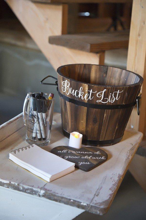 Unique guest book idea for a farm wedding