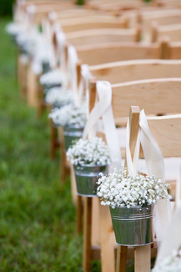 wedding aisle decoration ideas with baby's breath