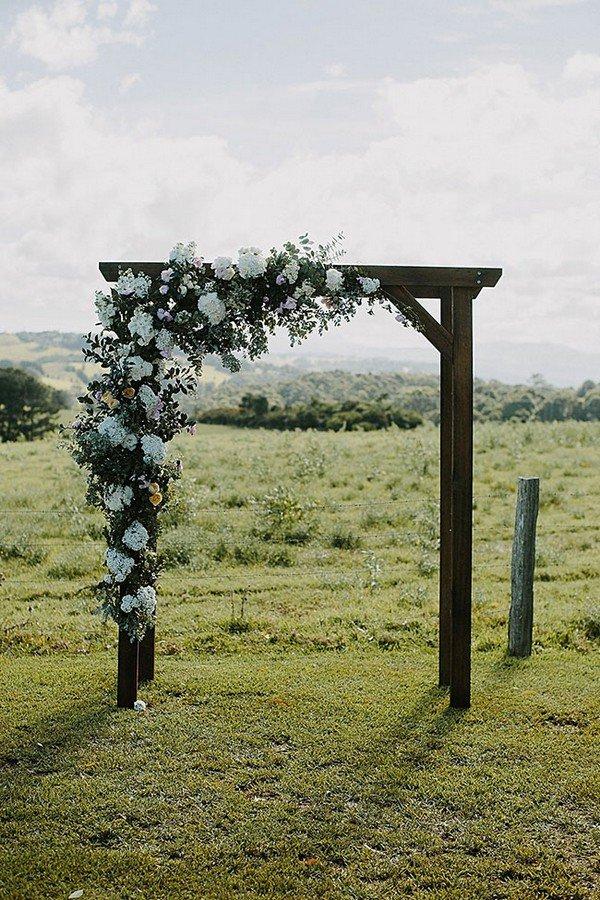wedding alter decorations for a farm wedding