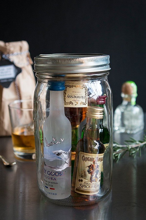 mason jar mini bar groomsmen gift ideas