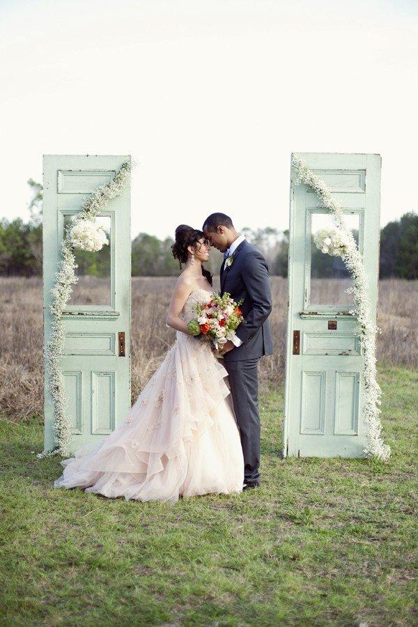 Vintage Old Door Wedding Arch Ideas