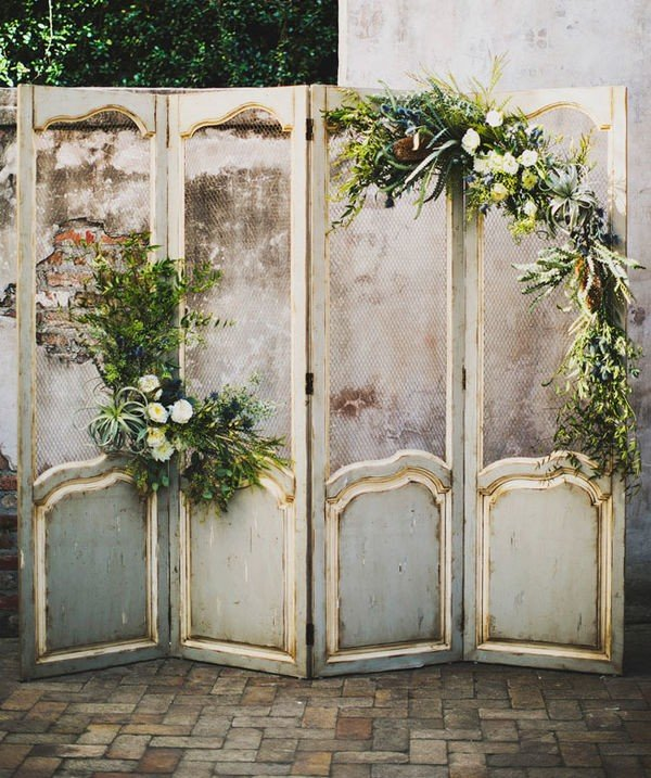 vintage wedding backdrop ideas with door