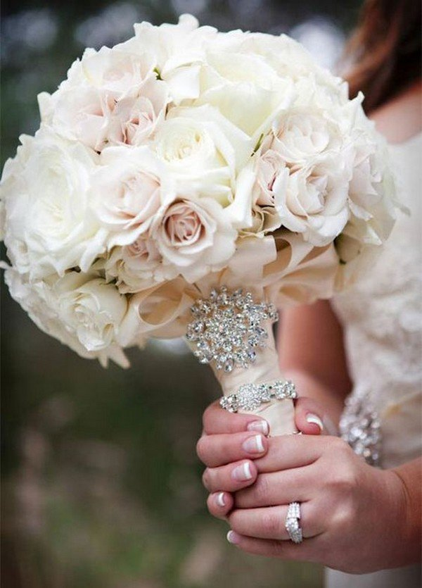 Elegant Cream And Blush Roses Wedding Bouquet