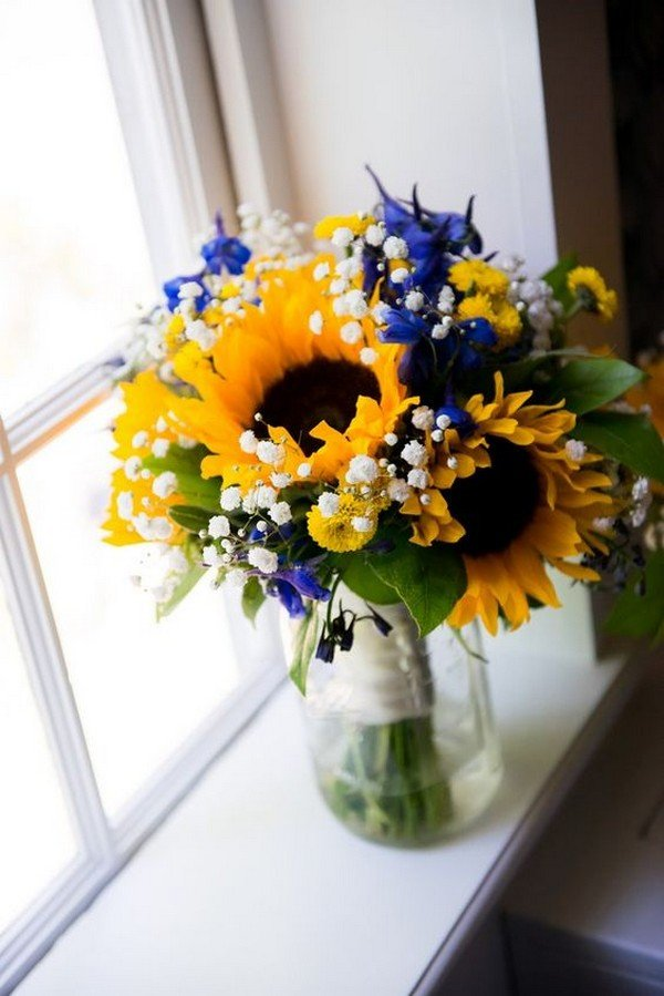 royal blue and sunflower yellow wedding centerpiece ideas