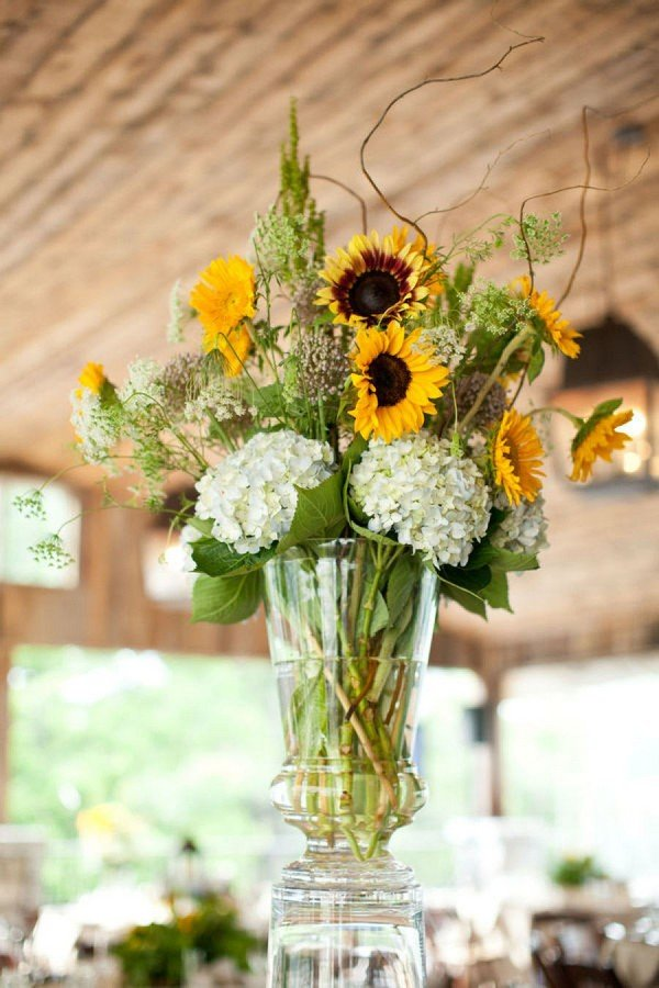 tall wedding centerpiece ideas with sunflowers and hydrangea