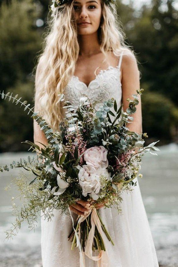 chic greenery moody wedding bouquet ideas