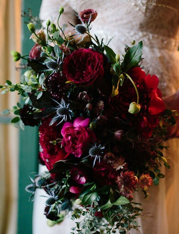 dark moody wedding bridal bouquet ideas