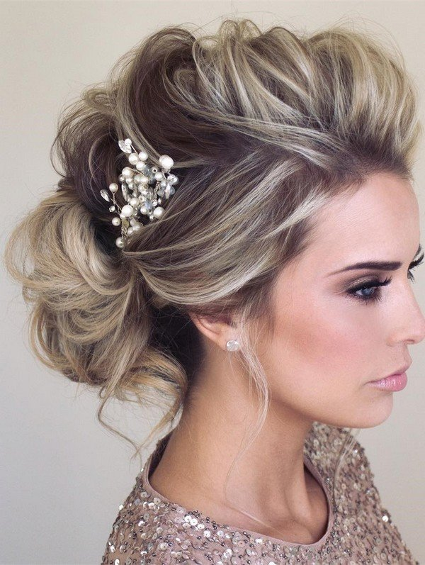elegant updo bridal hairstyle for wedding day