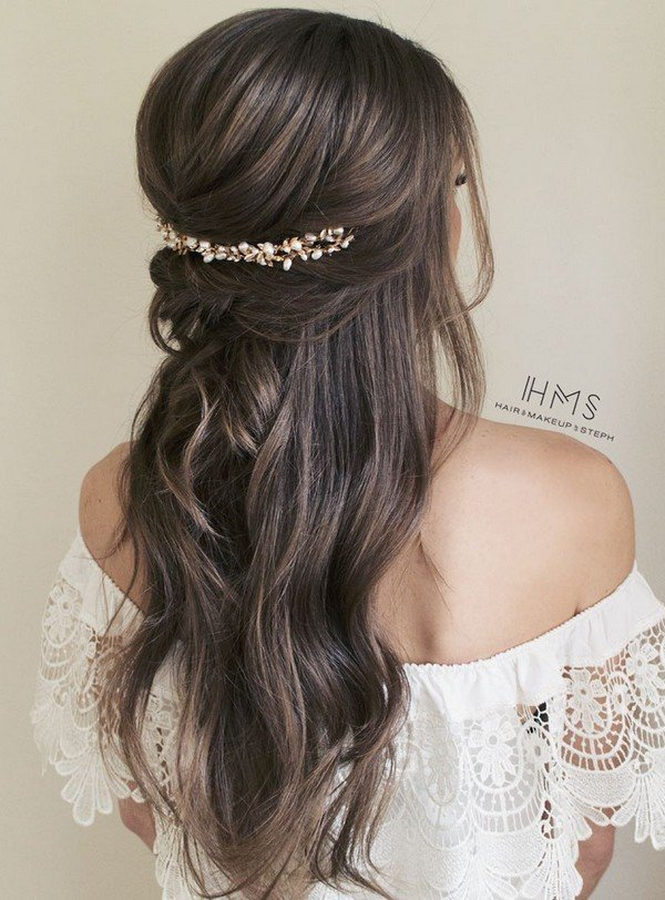 gorgeous half up half down wedding hairstyle