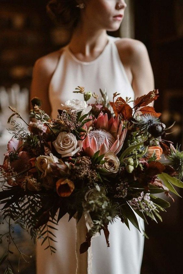 moody fall wedding bridal bouquet