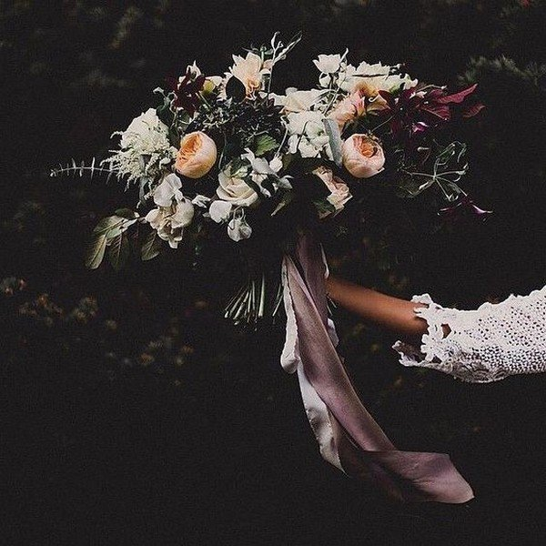 unique moody fall wedding bouquet ideas