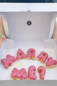 wedding proposal ideas with donuts