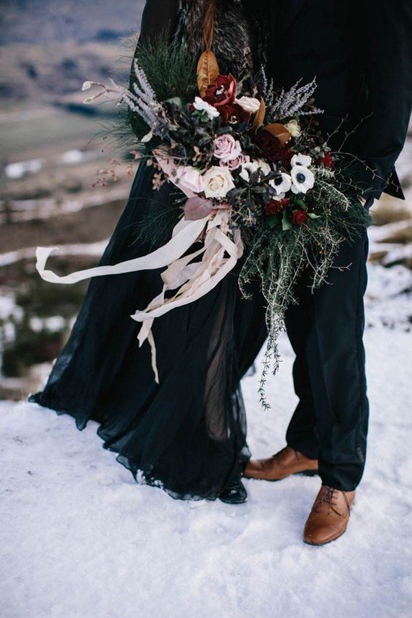 winter moody wedding bouquet ideas