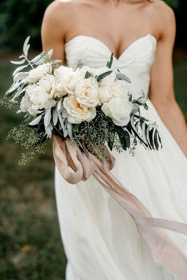 boho themed neutral wedding bouquet