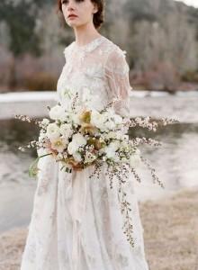 elegant neutral wedding bouquet ideas