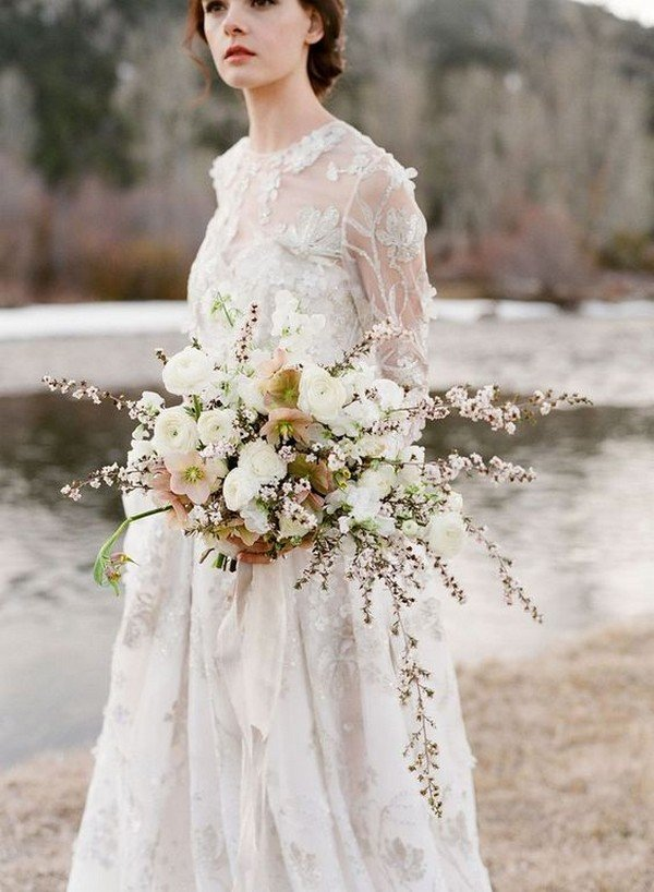 elegant neutral wedding bouquet ideas