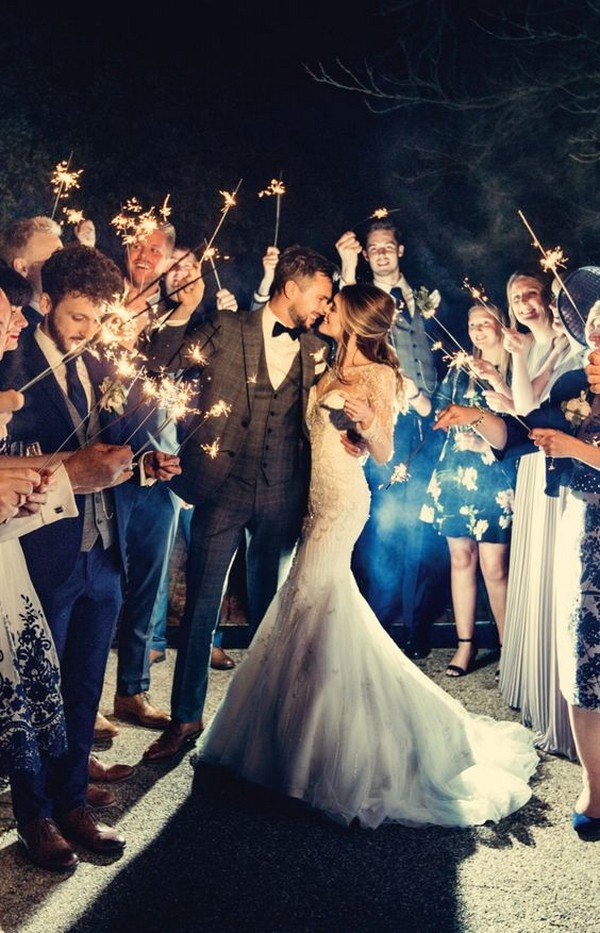 romantic sparkler exit wedding photo ideas